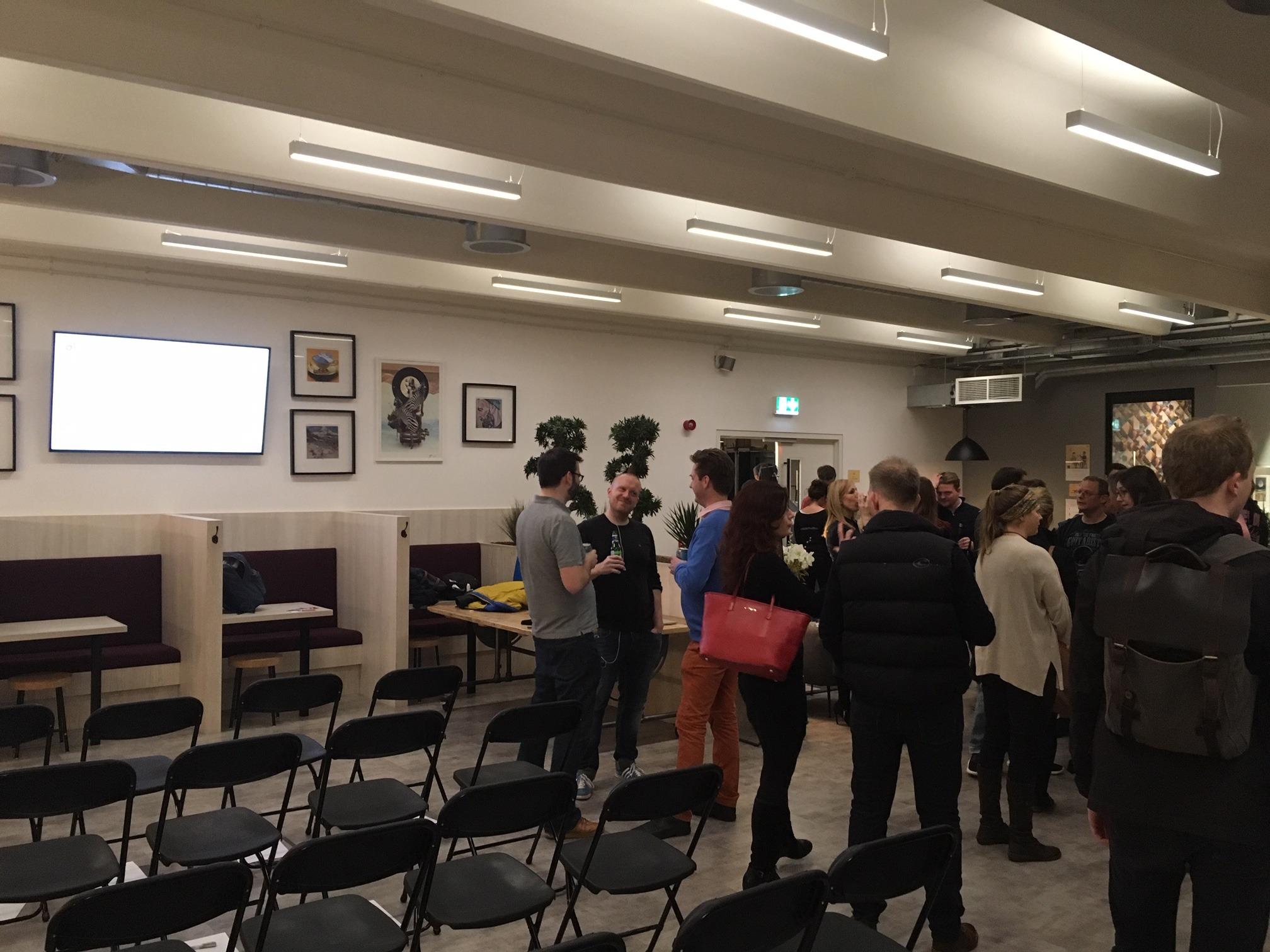 People meetin at Glug Events